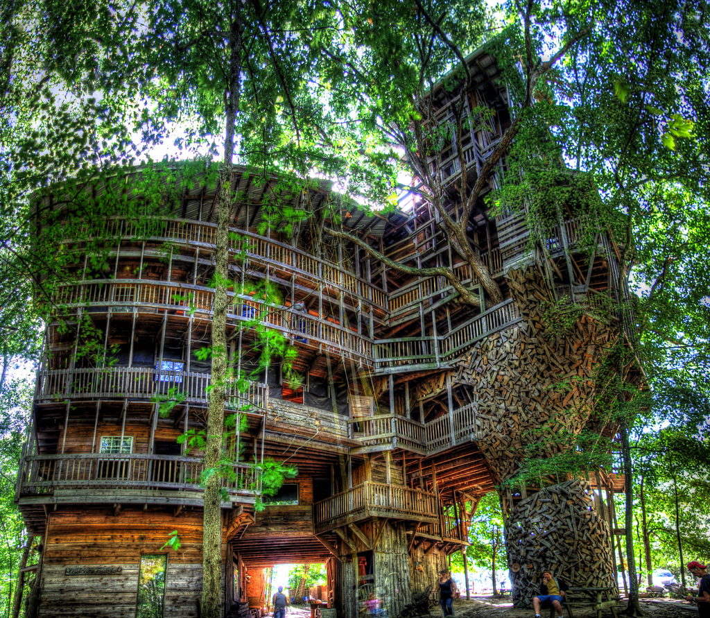 The Life and Fiery Death of the World's Biggest Treehouse